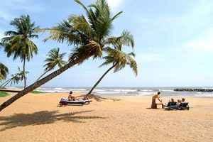 negombo-beach-sri-lanka-300x200